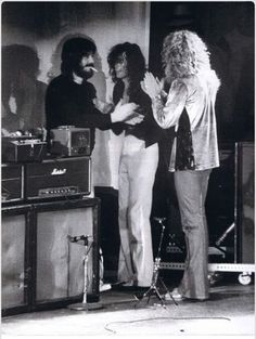 Led Zeppelin applauding each other, lol.