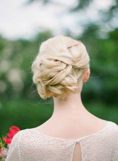 delhpine-manivet-paris-wedding-dress-hair-style