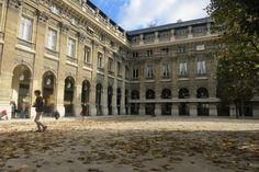 http://cherryblossomtime.com/2012/11/18/paris-vs-ny-automne-vs-fall/