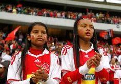 5-Nov-2013 8:37 - AJAX WIL STOPPEN MET CAPE TOWN. Ajax overweegt te stoppen met Ajax Cape Town. Dat meldt AD Sportwereld. De Amsterdammers zijn al langer ontevreden over de samenwerking met de...