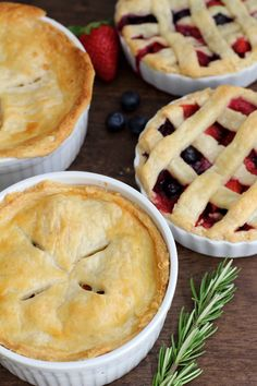 Delicious Mini Pies - pot pie and fresh berry pie without gelatin!