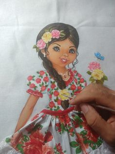 Crochet Box, Art Drawings, Disney Characters, Fictional Characters, Snow White, Barbie, Disney Princess, Painting, Doll Crafts