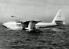 "The Hughes Hercules (also known as the ""Spruce Goose""), is the largest Flying Boat ever build, a prototype heavy transport aircraft designed and built by… Sea Plane, Float Plane, Flying Ship, Flying Boat, Air Fighter, Fighter Jets, Spruce Goose, San Diego Living, Private Plane"
