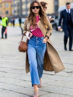 Editor Miroslava Duma im Retro-Look aus Coca-Cola Shirt, Mom-Jeans, Gabriela…