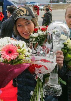Встреча  в  аэропорту Д.Домрачевой ( биатлон  BLR )   Минск  апрель  2015  ......