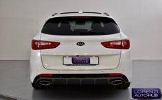 La Kia Optima è una station wagon dalla linea sportiva, con una ricca dotazione di serie. Disponibile presso la nostra SEDE a GHEDI (BRESCIA) in VIA ARTIGIANALE 74/76, un esemplare PRONTA CONSEGNA in allestimento: 1.7 CRDi  DCT7 Sportswagon GT Line. Per vedere tutto il servizio fotografico dedicato collegatevi sul nostro sito. Station Wagon, Toyota Auris, Kia Optima, Touring, Mercedes Benz, Audi, Automobile, Ford, Sports