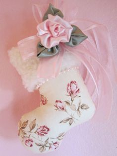 CoLLecTiBLle Shabby pink Rosebuds*COTTAGE CHIC ChrisTmas Stocking OrNaMeNT