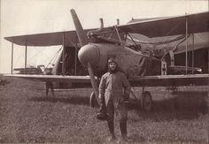Werner Dittmann vor seiner Albatros
