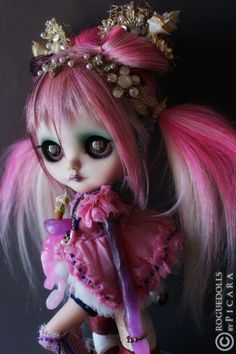 One of a kind (OOAK) art Dolls & Custom Blythe Dolls ©2015 All the images on this site are property of Roguedolls. Description from theroguedolls.com. I searched for this on bing.com/images