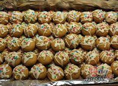 Rakvičkové košíčky s pařížskou šlehačkou | NejRecept.cz Doughnut, Merry Christmas, Muffin, Food And Drink, Eggs, Cookies, Breakfast, Ethnic Recipes, Sweet