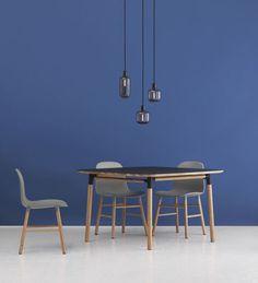 Form Tisch / 120 x 120 cm