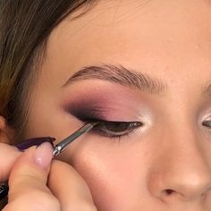 [New] The 10 Best Eye Makeup Ideas Today (with Pictures) - 1 2 or By Tag someone who would like this! Makeup Eye Looks, Eye Makeup Steps, Beautiful Eye Makeup, Smokey Eye Makeup, Eyebrow Makeup, Skin Makeup, Eyeshadow Makeup, Makeup Cosmetics, Purple Makeup Looks