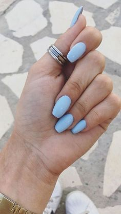 Semi-permanent varnish, false nails, patches: which manicure to choose? - My Nails Blue Acrylic Nails, Simple Acrylic Nails, Summer Acrylic Nails, Blue Nails, Acrylic Nail Designs, Summer Nails, Pastel Nails, Winter Nails 2019, Image Nails