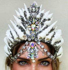 Silver glitz and Aura Crystals are truely soul mate's 👑 . Have a beautiful weekend you gorgeous humans 😚 . Mermaid Headpiece, Mermaid Crown, Mermaid Beach, Shell Crowns, Seashell Crown, Real Mermaids, Magical Jewelry, Crystal Crown, Circlet