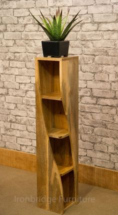 MANTIS SOLID NATURAL MANGO WOOD TWISTED BOOKCASE CD DVD STORAGE 100cm HIGH TW20A