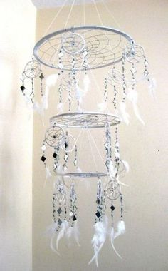 DIY able Dream Catcher Mobile.