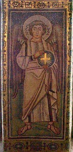 Basilica Eufrasiana, Parenzo, Croazia. Il mosaico della metà del VI secolo. Arcangelo Michele
