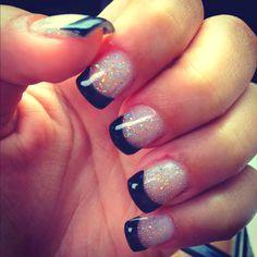 Glitter x black french nails New Year's Nails, Hair And Nails, Gel Nails, Acrylic Nails, French Nails, Glitter French Manicure, Glitter Nails, Glitter Acrylics, Cute Nails