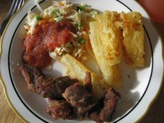 yuca con chicharron