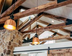 In this post, we want to share with you some ideas and benefits of using faux wood beams for the decoration of your home. Vaulted Ceiling Lighting, Recessed Ceiling, Cool Lighting, Lighting Design, Blitz Design, Types Of Ceilings, Faux Wood Beams, Home Ceiling, Plank Ceiling