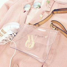 Pink passion. Wear the elegance. #wyandottebags #outfitoftheday #lookoftheday #TagsForLikes #fashion #bag #cool #moda #borsa #style #love #beautiful #currentlywearing #love #trendy #whatiworetoday #ootdshare #outfit  #fashiontrends #todayimwearing  #outfitpost #fashionpost #shopping #beauty visit our website: www.wyandotte.it