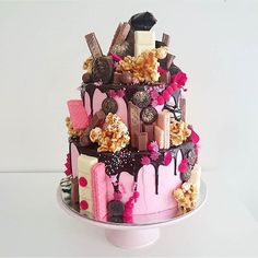 Omg these cakes Reposted Via @snobfashionblog