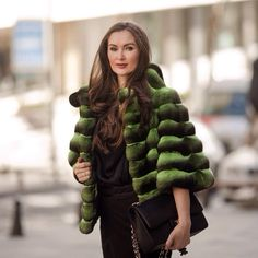 « Green chinchilla coat is simply awesome, get it only in #ADAMOFUR Шуба из шиншиллы зеленого оттенка просто великолепна! В #ADAMOFUR всегда есть на что… »