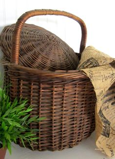 1940s Hand Woven Basket with Lid - Farmhouse Style Storage ~ etsy