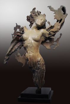 brown - woman - figurative sculpture - Ira Reines