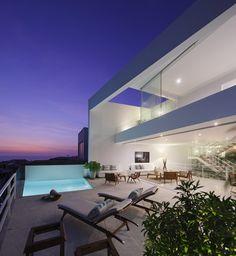 AVE House - Lima, Peru - By  Martin Dulanto Sangalli
