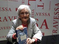 """Cleonice Berardinelli na noite de autógrafos de """"Cinco Séculos de Sonetos Portugueses: de Camões a Fernando Pessoa"""" - 31/07"""