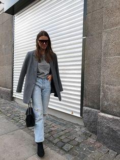 AFFILIATE/REKLAME LINKS: blazer ZARA SIMILAR t-shirt NEON ROSE jeans ZARA boots & OTHER STORIES bag CHANEL sunglasses CÉLINE SIMILAR ....