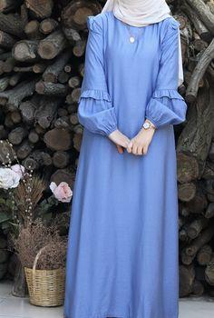 Simple Gown Design, Abaya Fashion, Fashion Dresses, Mode Turban, Moslem Fashion, Mode Abaya, Iranian Women Fashion, Hijab Fashionista, Sleeves Designs For Dresses
