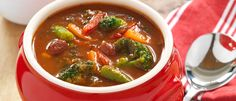 A lovely soup to enjoy on a cooler autumn evening. This hearty minestrone is full of vegetables and can be prepared in less than 30 minutes. Fall Recipes, New Recipes, Soup Recipes, Vegan Recipes, Favorite Recipes, Yummy Recipes, Meatless Recipes, Vegan Meals, Vegetable Stew