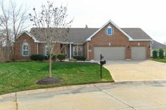 252 Fox Haven Dr., O' Fallon, MO - presented by Pam Schroeder (Contact us direct 314-575-2255) FOR SALE!
