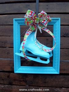 Framed Ice Skates - craft decorations step-by-step directions!    Find more awesome craft ideas at craftredo.com
