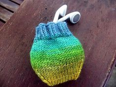 Free knitting pattern for Earbud Pouch and more last minute gift knitting patter. : Free knitting pattern for Earbud Pouch and more last minute gift knitting patterns Knitting Blogs, Loom Knitting, Knitting Stitches, Knitting Patterns Free, Free Knitting, Crochet Patterns, Knitting Ideas, Free Pattern, Small Knitting Projects