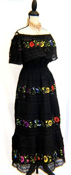 Mexican DRESS BALCK color Embroidered Crocheted Floral Peasant