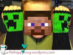 Crochet Minecraft Creeper Fingerless Gloves - crochet for boys Crochet Amigurumi, Crochet Mittens, Knit Or Crochet, Cute Crochet, Crochet Scarves, Crochet For Kids, Crochet Crafts, Crochet Clothes, Crochet Baby