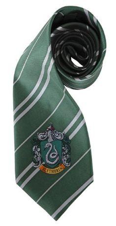 Harry Potter cravate Serpentard Cinereplicas http://www.amazon.fr/dp/B0006H5MI2/ref=cm_sw_r_pi_dp_dcE6ub067XM5V