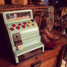 5.Jun.2016  おもちゃの小さなレジとキッズ用シューモールド新入荷分です あまりにかわいいので二階でこっそり展示鑑賞中...   今週末いよいよラココットの二階にドライフラワー専門店が登場@maison.de.amelie  #deco #decoration #antique #antiques #antiqueshop #toy #register #myhome #interior #interiordecor #jouet  #brocante #brocantestyle #vintage #rustic #rusty #display #ラココット #home #furniture #shabby #shabbychic #old #oldstyle  #frenchantiques #おうちショップ #おもちゃ#ブリキ #dryflower