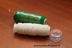 Как заправить нитку-резинку в горизонтальный челнок