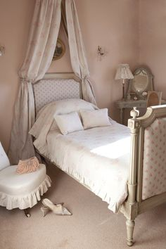"7) Farrow and Ball ""Setting Plaster"" Kate says, 'This is another very pretty pink I have used for bedrooms such as this one and also in bathrooms. Here it looks so delicate with the faded 'Kitty' design hanging from the corona above the bed. This colour is particularly good in cold north facing rooms which need warmth but equally looks divine in light sunny rooms.' Full details on Modern Country Style blog: Kate Forman's 8 Favourite Farrow and Ball paints"