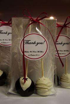 Wedding Favour cake pops...Love it! Right down my street lol!