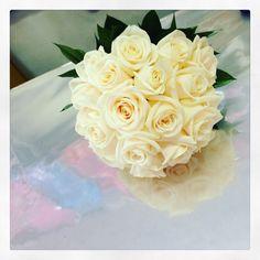 Bouquet sposa di rose bianche