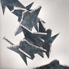 Franco Ionda | Questo Urlo | Artwork in Aluminium, iron, varnish, plexiglas, ink, fluorescent lamps | From the Targetti Light Art Collection (1998)