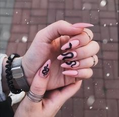 12 NAILS TO INSPIRE - Oie Beautiful. I love nails! haha So now I separated several inspirations for you! Edgy Nails, Aycrlic Nails, Grunge Nails, Glue On Nails, Stylish Nails, Manicures, Hair And Nails, Coffin Nails, Halloween Acrylic Nails
