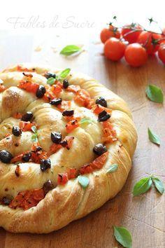 twisted bread with sourdough / Focaccia contorta con pasta madre #pomodoro #ricetta #recipes #tomato #recipe #italianrecipe