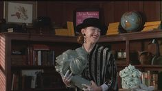 Catherine O'Hara as Delia Deetz in 'Beetlejuice' - Catherine O'Hara Image (23866554) - Fanpop
