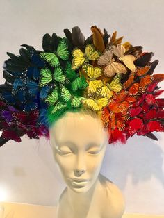 rainbow butterfly headdress by doramarra (Etsy) Rainbow Butterfly, White Butterfly, Red Feather, Black Feathers, Feather Background, Crazy Hats, Derby Hats, How To Make Hair, Fascinators